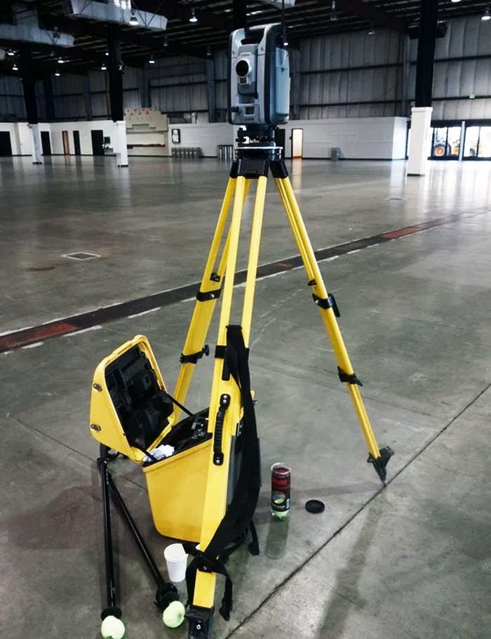 Trimble-S8-1-Robotic-Total-Station-with-TSC3.jpg